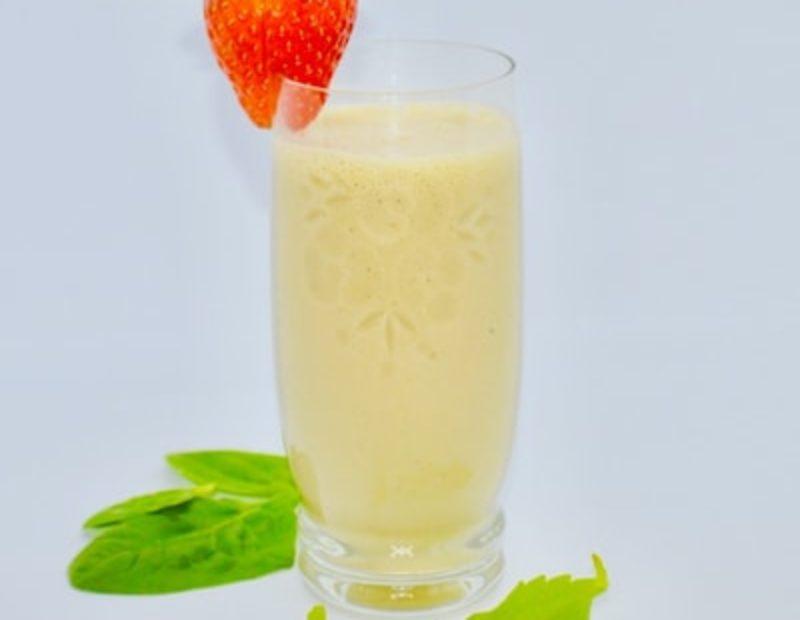 Maasika-Spinati smuuti