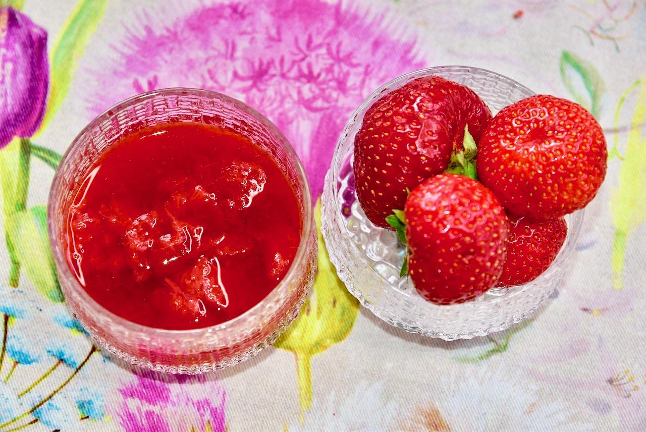 Suhkruvaba maasikamoos Golden Steviaga