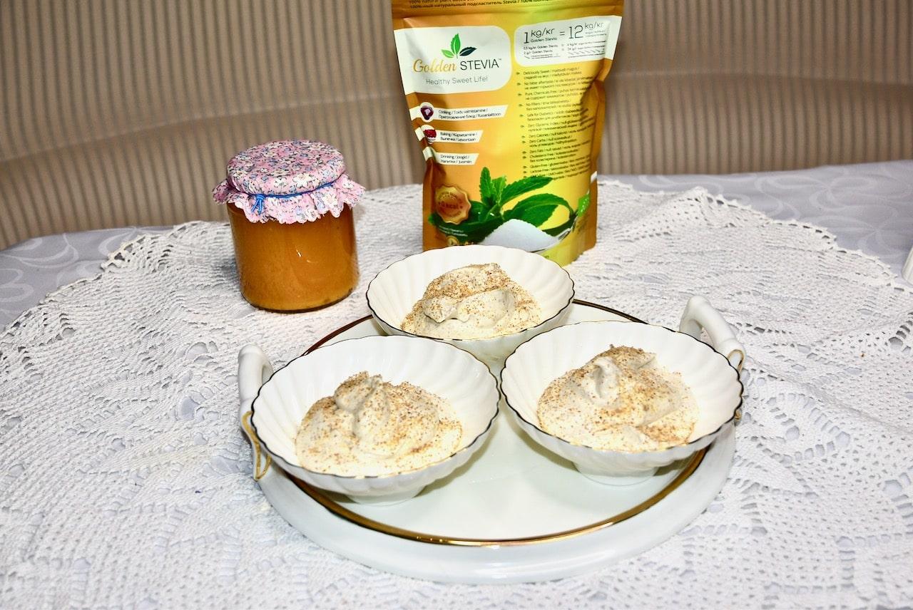 Kamavaht vahukoore Philadelphia toorjuust suhkruvaba Golden Steviaga ja kõrvitsa ebakütoonia moosiga (13)-min