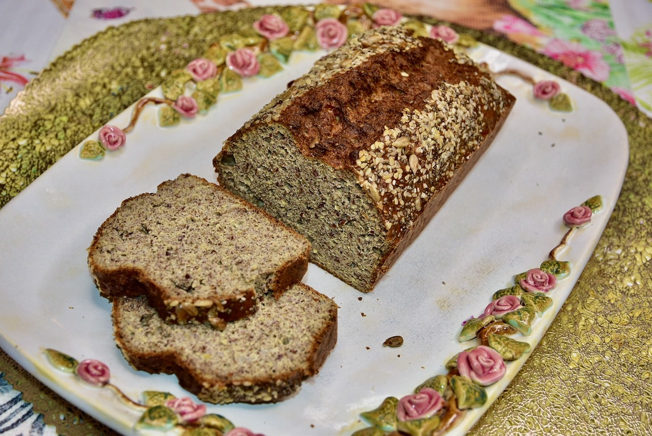 Linaseemne keefiri väheste kaloritega leib keto sõbralik