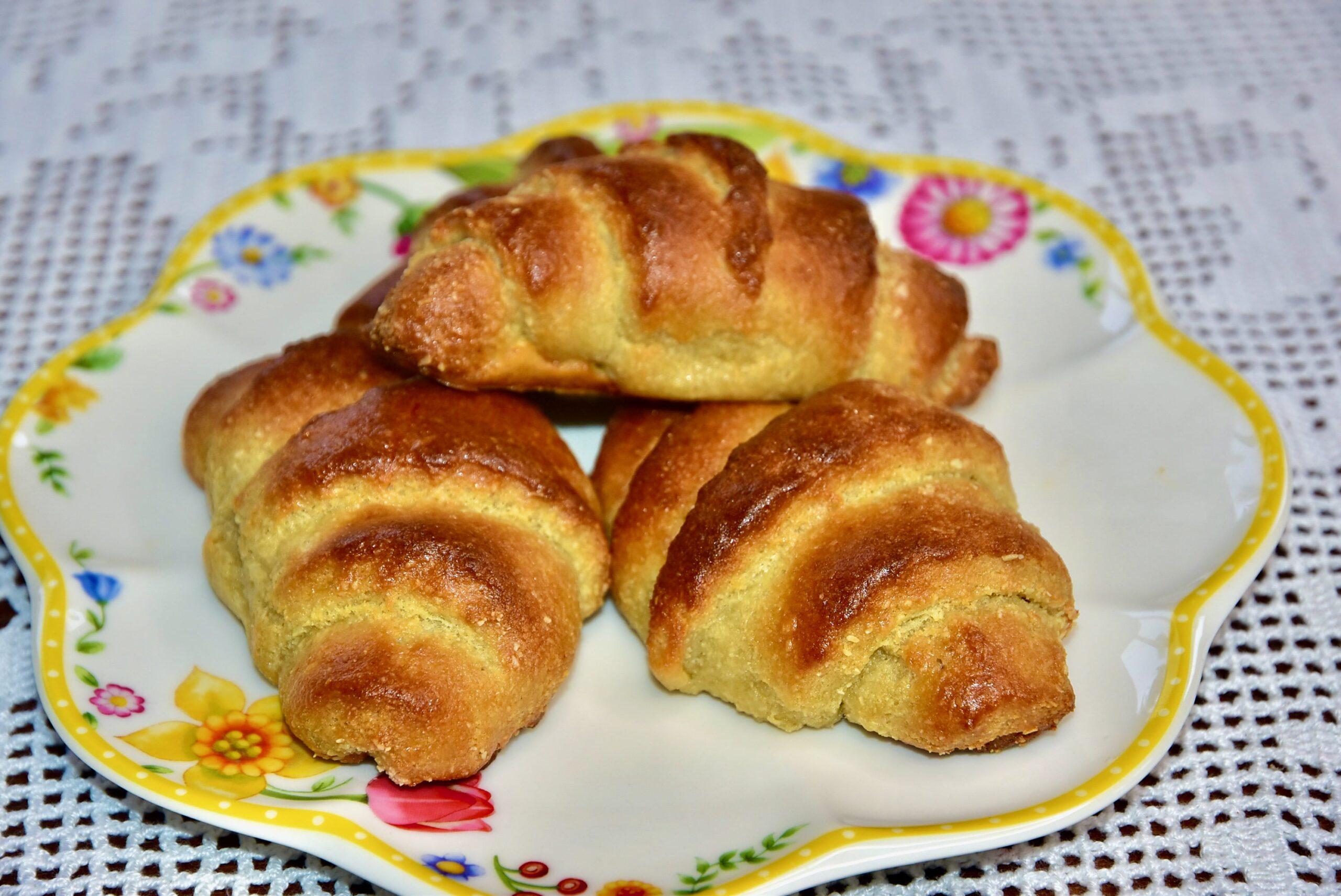 Keto LCHF croissant saiake hommikusöök sai võileib