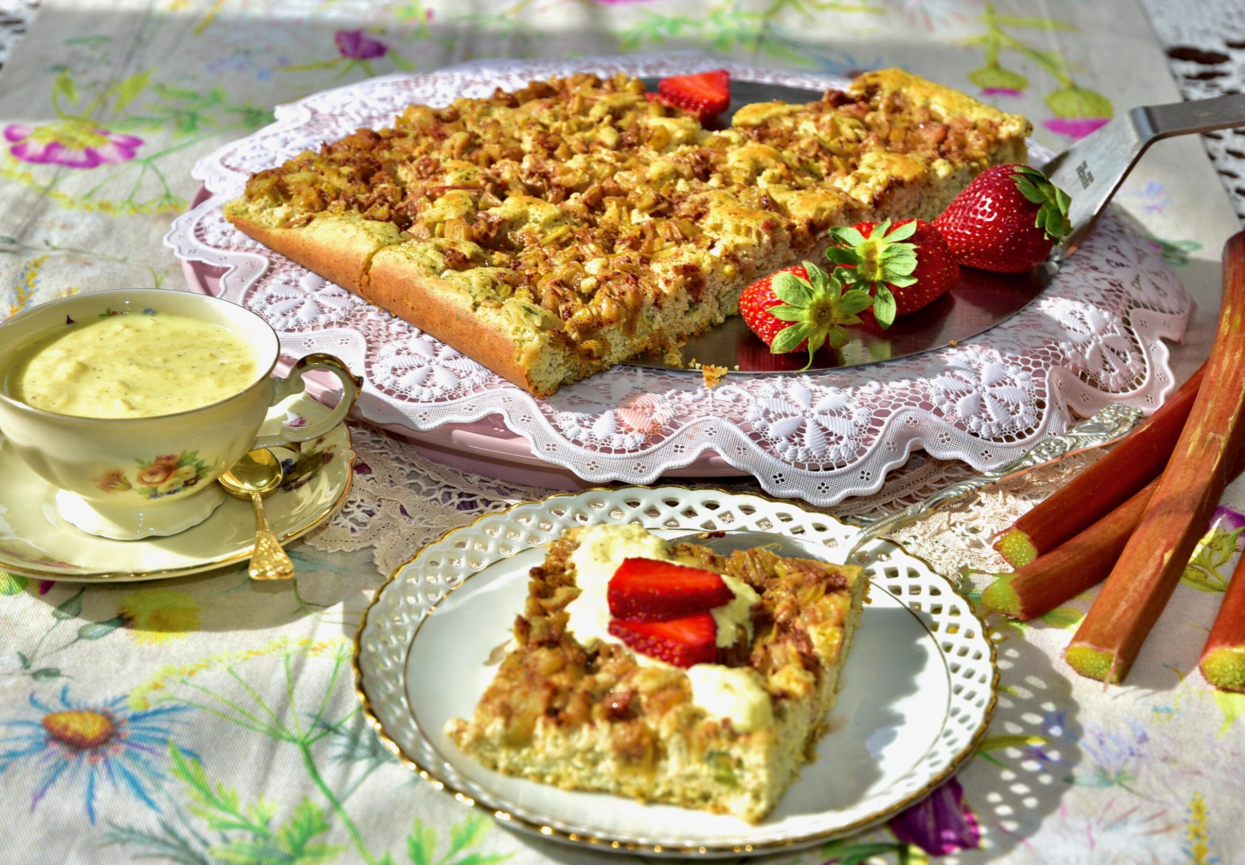 Suhkruvaba, Gluteenivaba, Low Carb, Keto Keefiri Rabarberikook Golden Stevia vaniljekastmega Sugar free gluten free, rhubarb cake